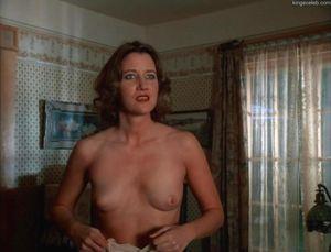 Joan Cusack Nude