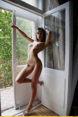 Nude dowson Presley Dawson