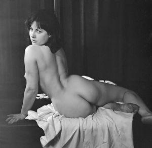 Tanya Girardi  nackt
