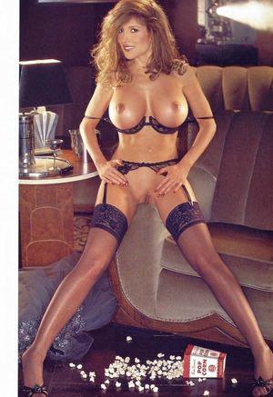 Playboy sztar Dolly Parton