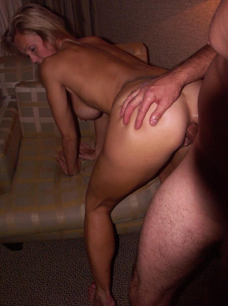 Sexy anal mom