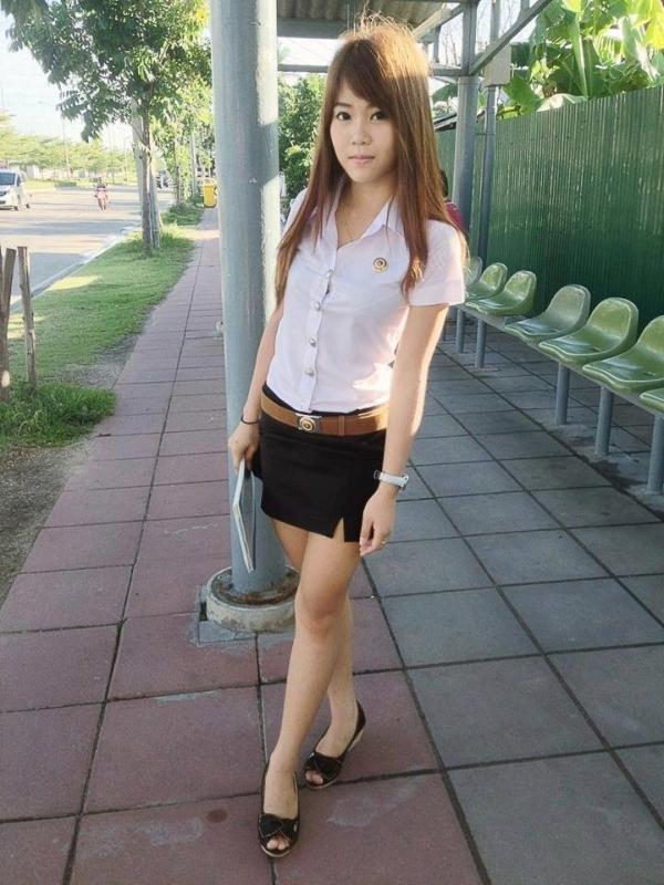 XXX Thai university schoolgirl..