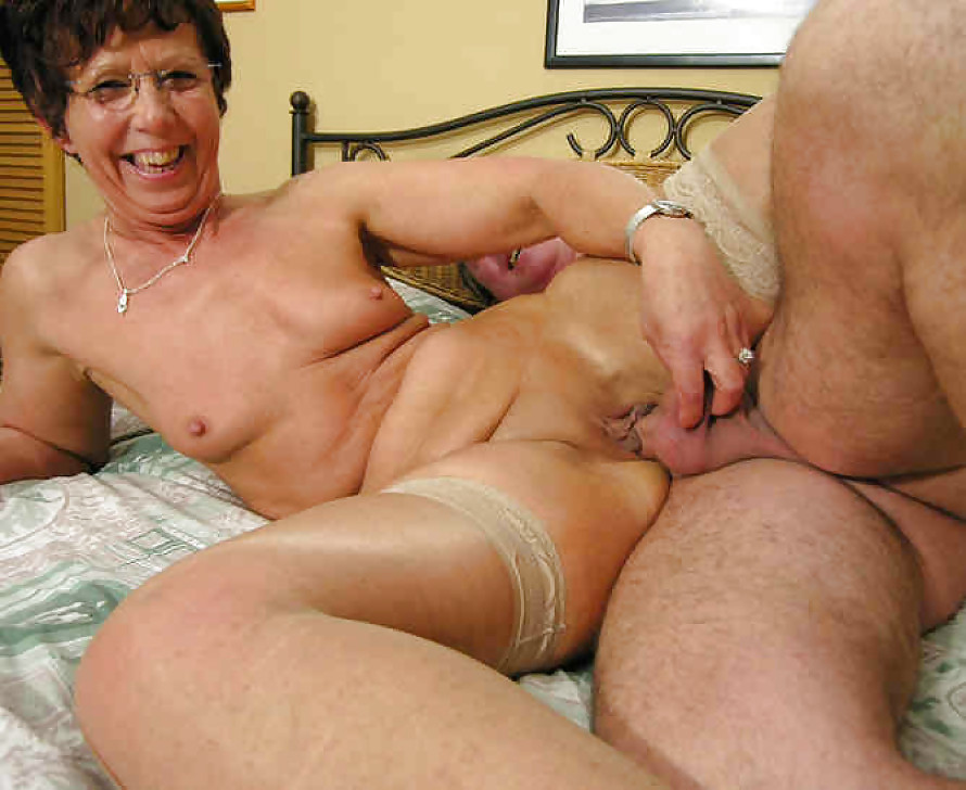 Nude Older Ladies Masterbate