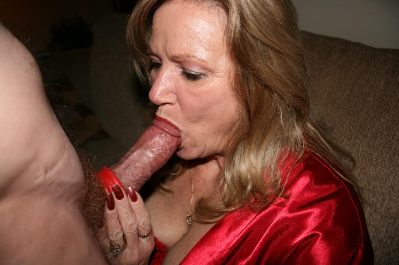 Free milfs porn pics, nude mature moms, hot milf sex galleries