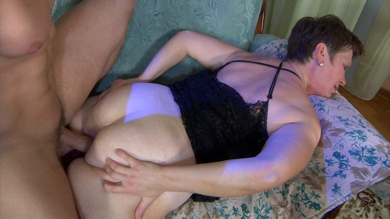 Порно нарезки русских жен муж и мама