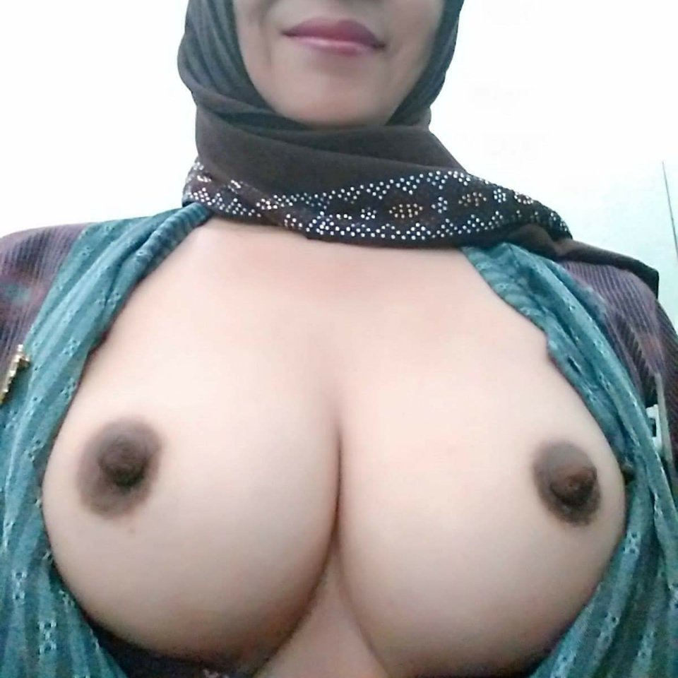 Hijab girl naked nude boobs and fucked gallery