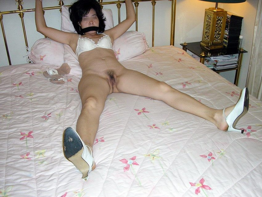 Asian housewife gets tied down to..