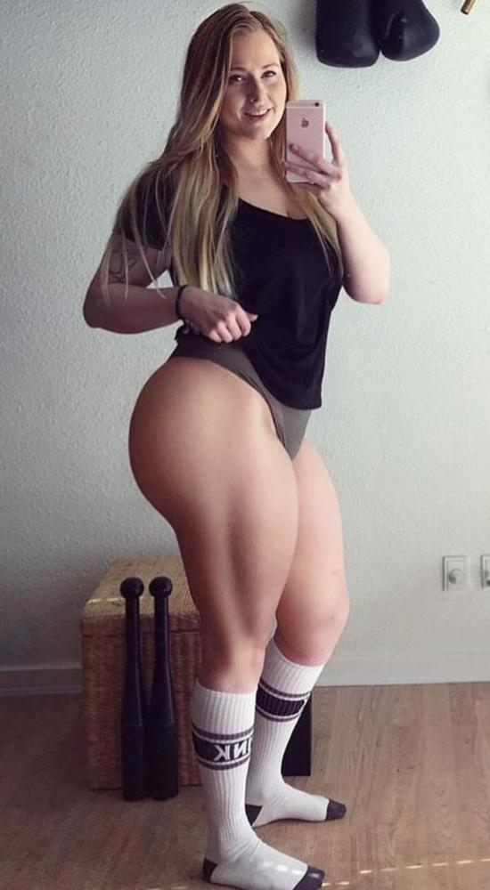 Thick Pawg Selfie PAWG