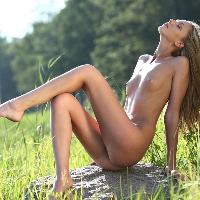 Nudist Girls Pics - Mobile..