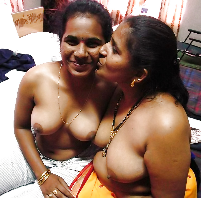Real indian mom and son caught camera full photo here https