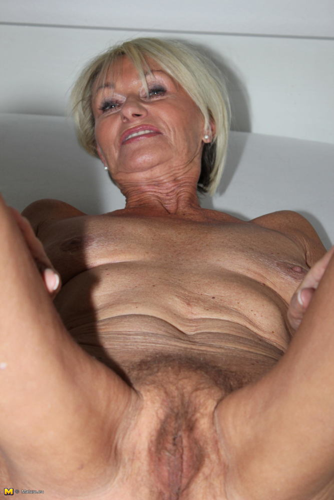 Really beautiful granny pussy