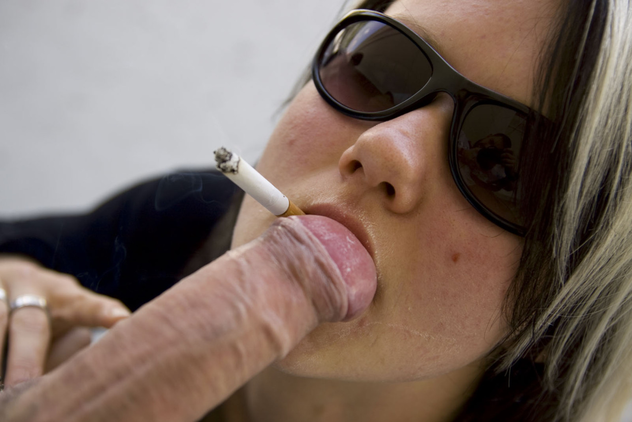 Crack whore want to smoke before she sucked the black