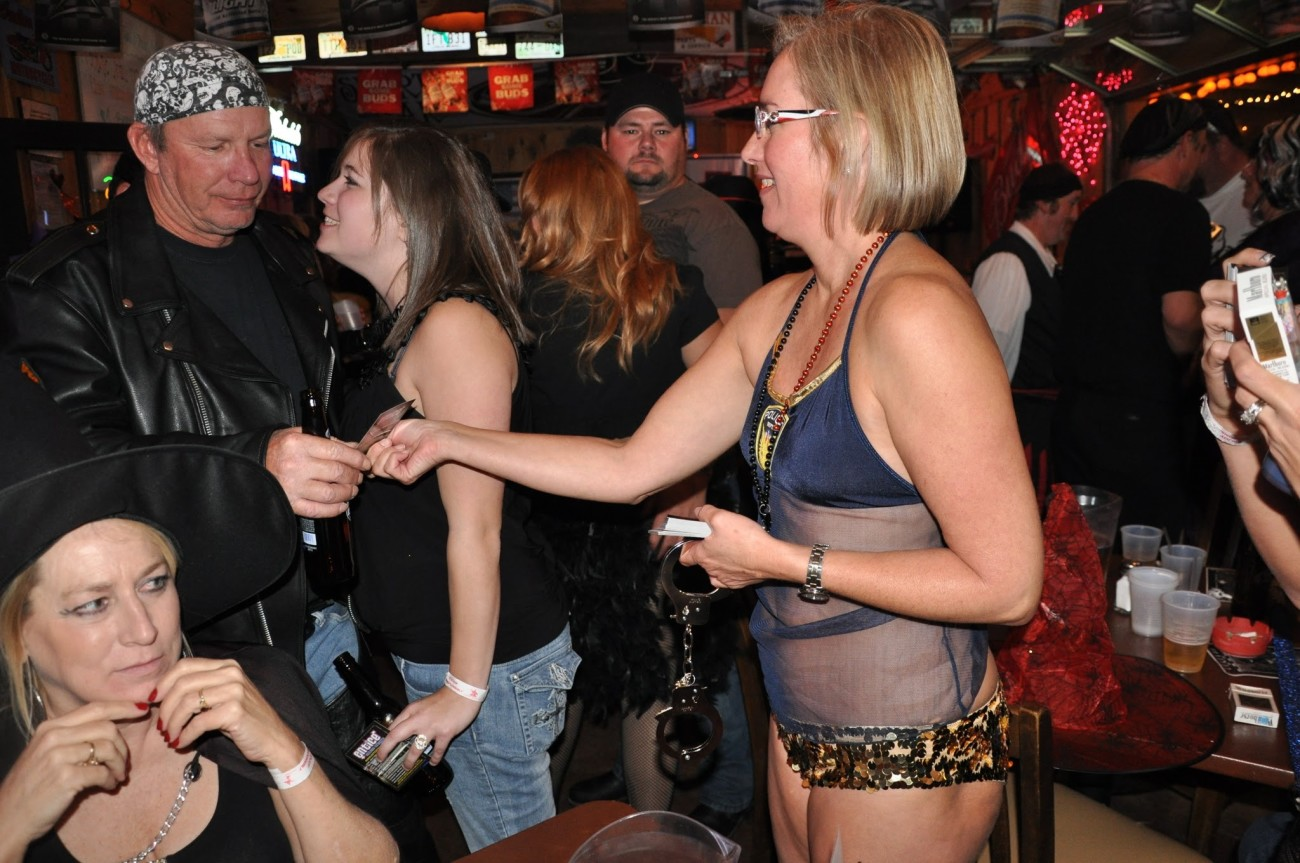 Bucharest swingers clubs swapping couples