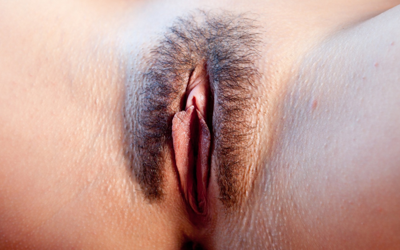 Unshaven Hairy Juicy Pussy Close