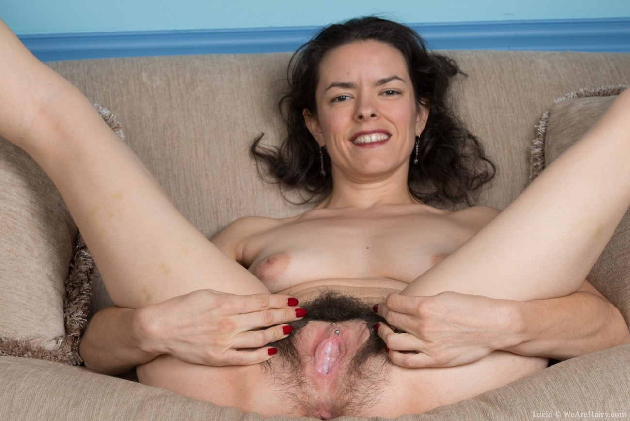 Lucia strips on excitable show..
