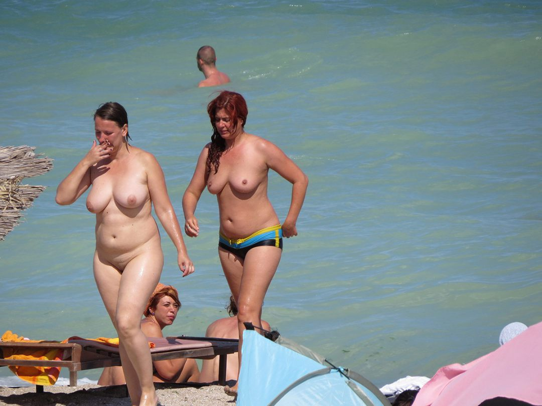 Nude beach galleries free -..