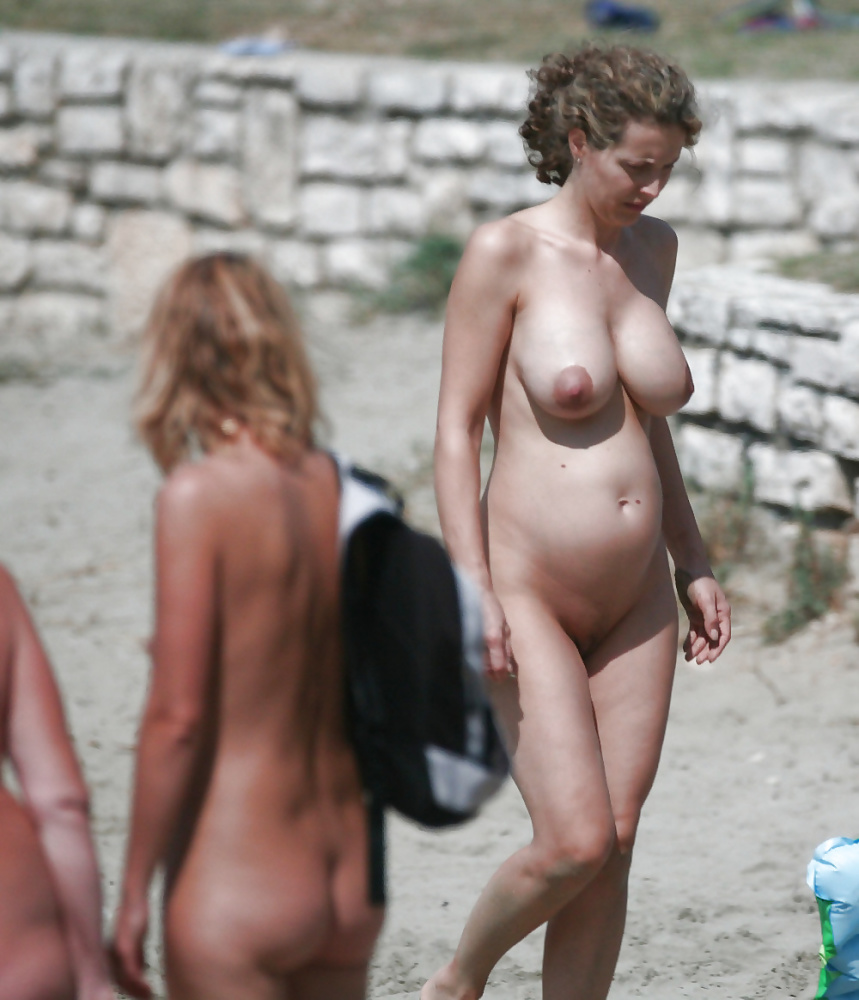 Cops called when woman goes topless