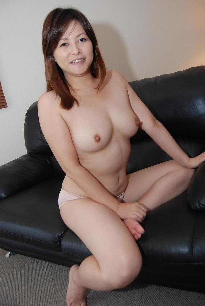 Japanese Cougar Chisako Nimura Craving Sex