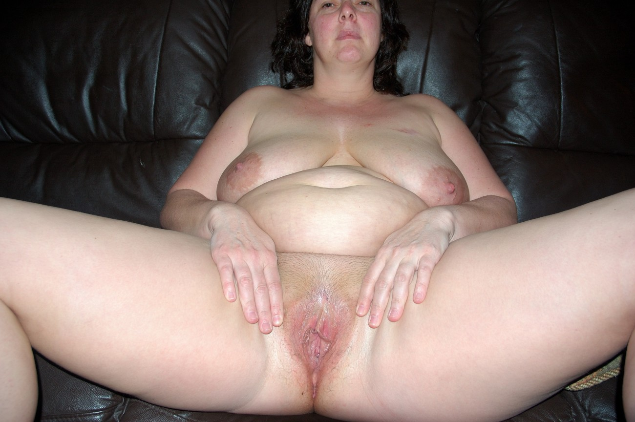 Chubby Amateur Gets Fingered