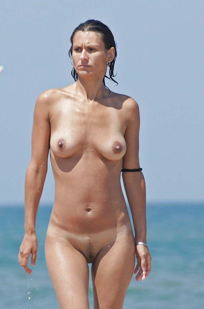 Hot nudist sorgusuna uygun..