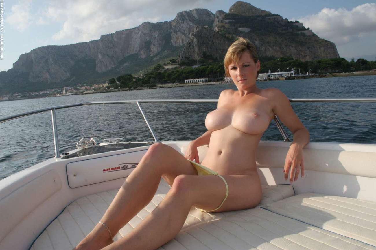 Flawless Nude Babe On A Boat