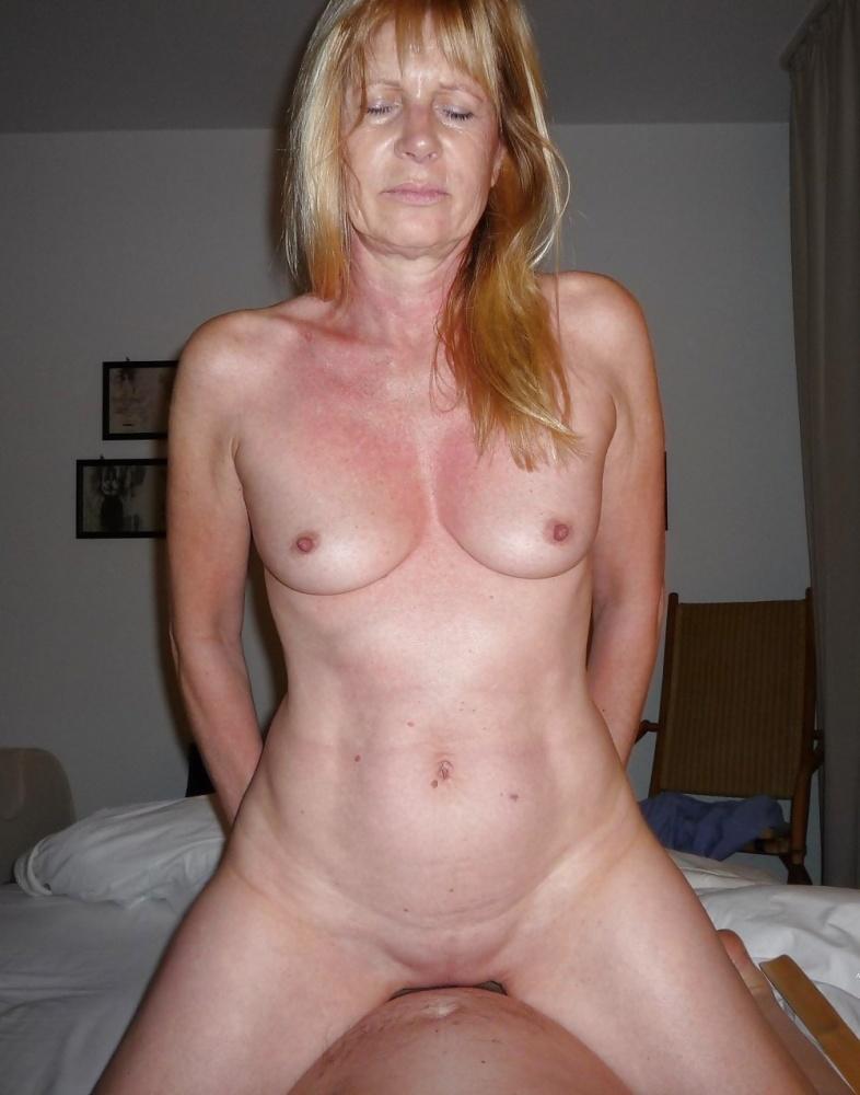 Free mature women mastubating pics