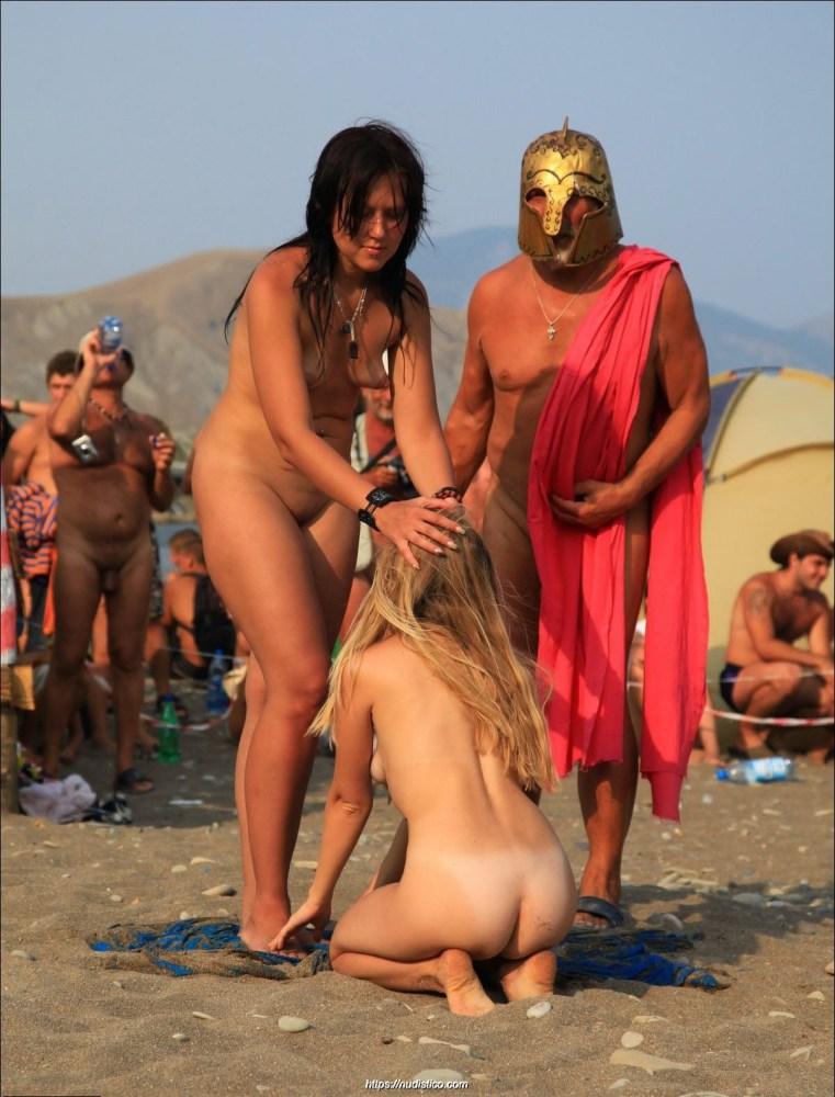 nudistico: Nudist Fun at Kazantip..
