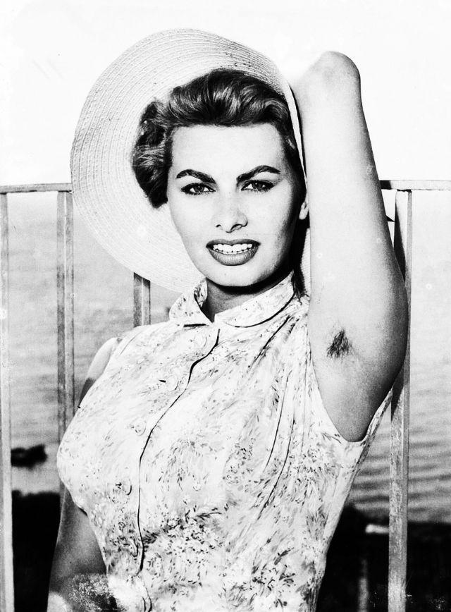 Sophia Loren Butt Make..