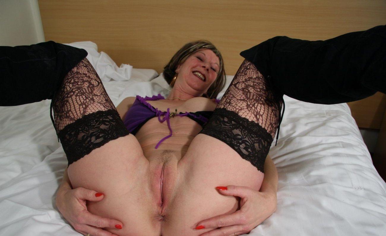 Older mamas pussy