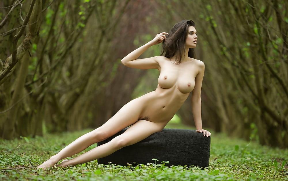 Perfect Storm - Beautiful Women,..