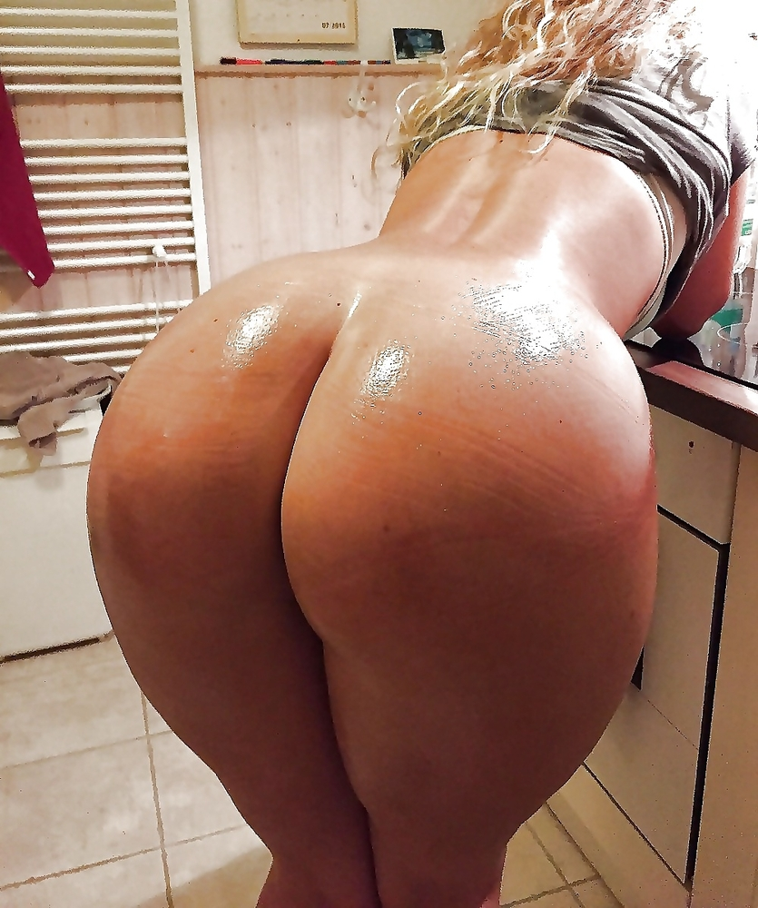 Full size photos nude big booty girls