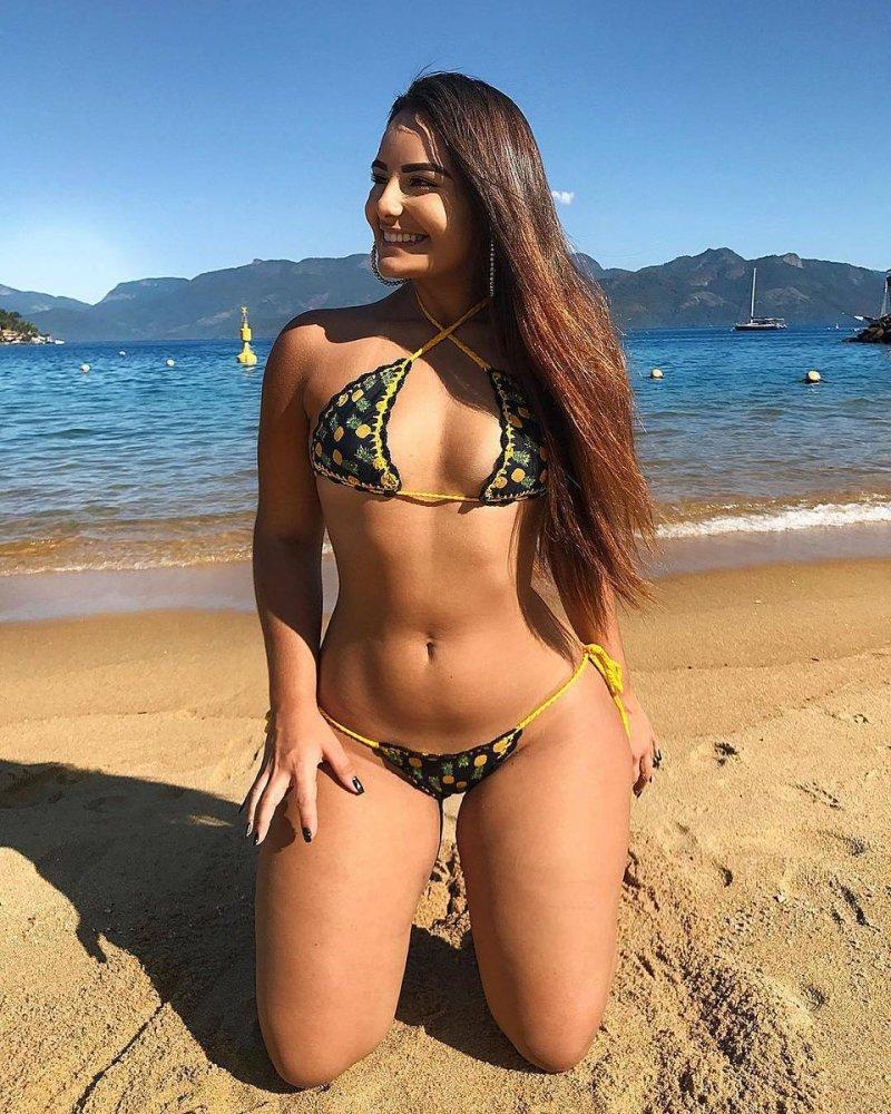 Cdzinha fucking naked girls