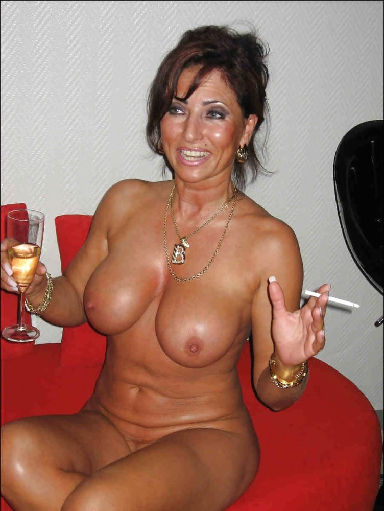 Old Horny Milfs Pics