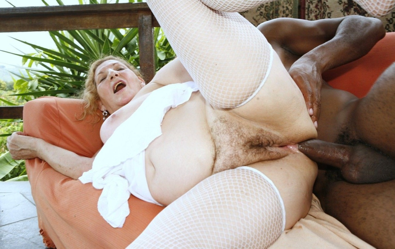 Amateur granny assfucking and cocksucking