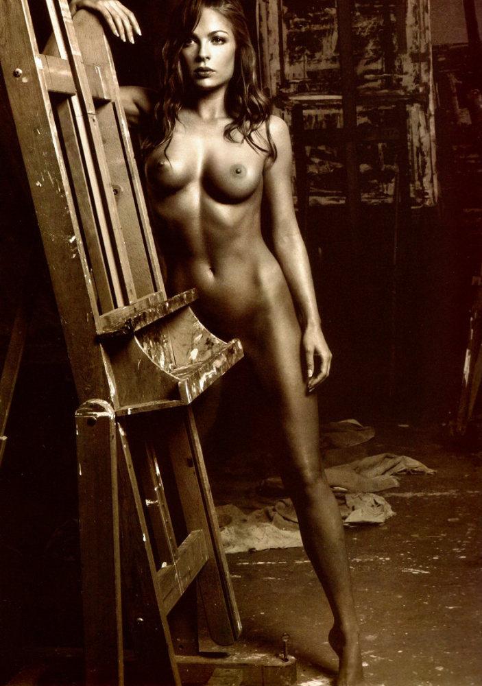 Bella White - - Naked Celebrity..