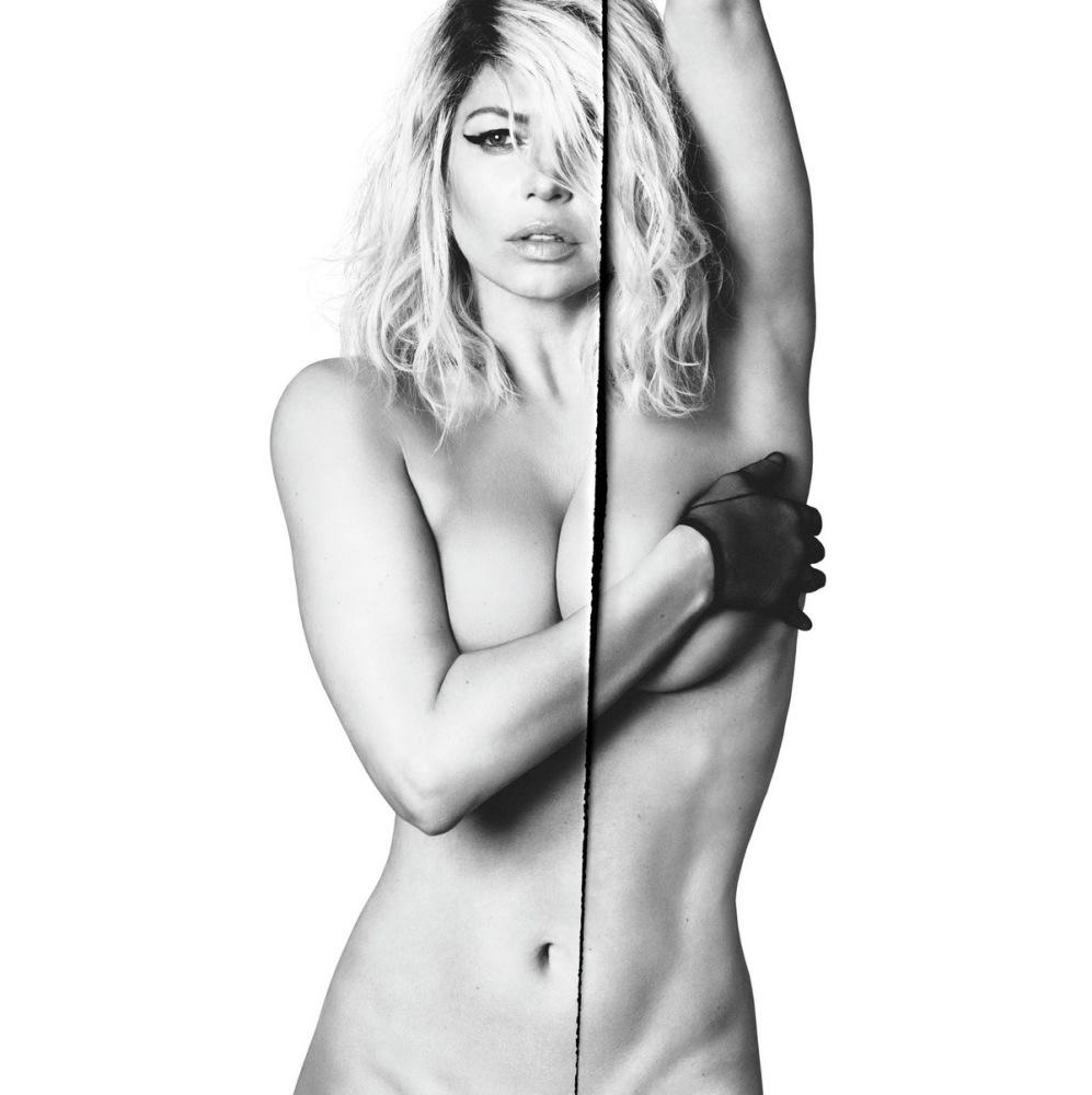 Fergie Fakes Nude Naked