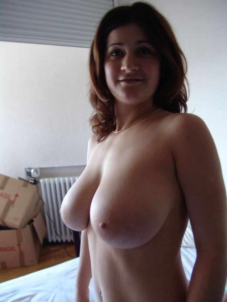 Shaved big natural tits girl selfies