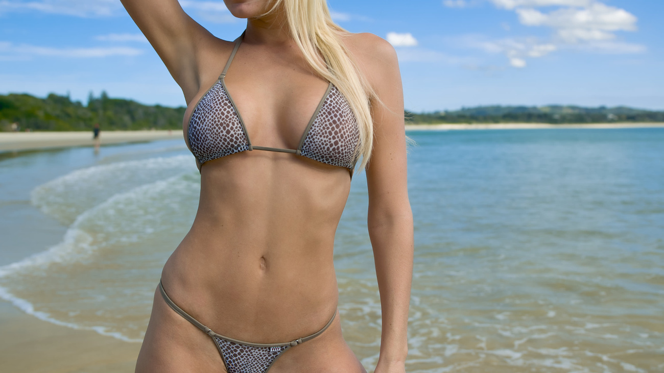 Bikini Handjob