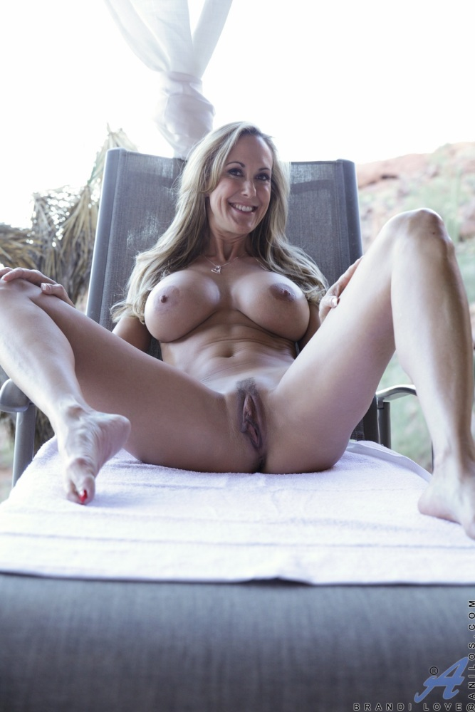 Brandi Love Posing Naked (8) -..