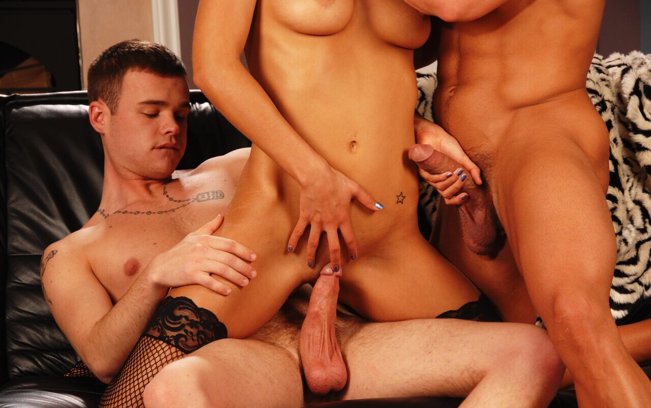 Amateur Brunette Threesome Mmf