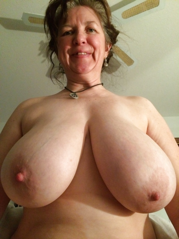 Amateur mature big tits pictures, beautiful nude women, free mature porn pics