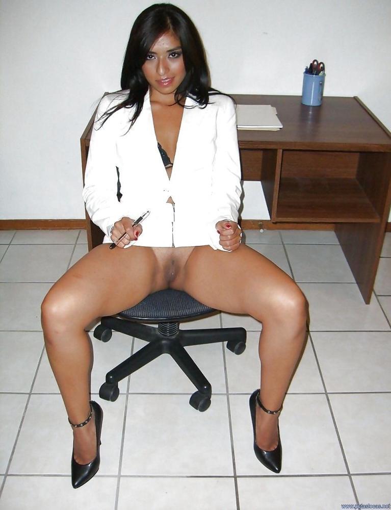 Secretaria culona peruana -..