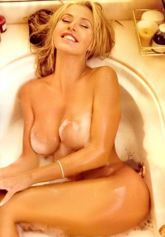 Valeria marini naked foto -..