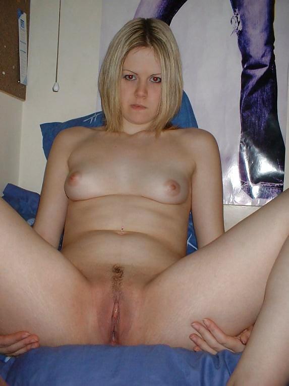 Various amateur sluts spread..