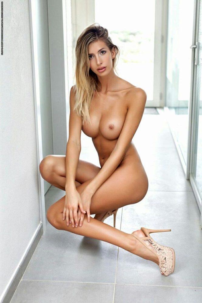 Ayla Woodruff Nude