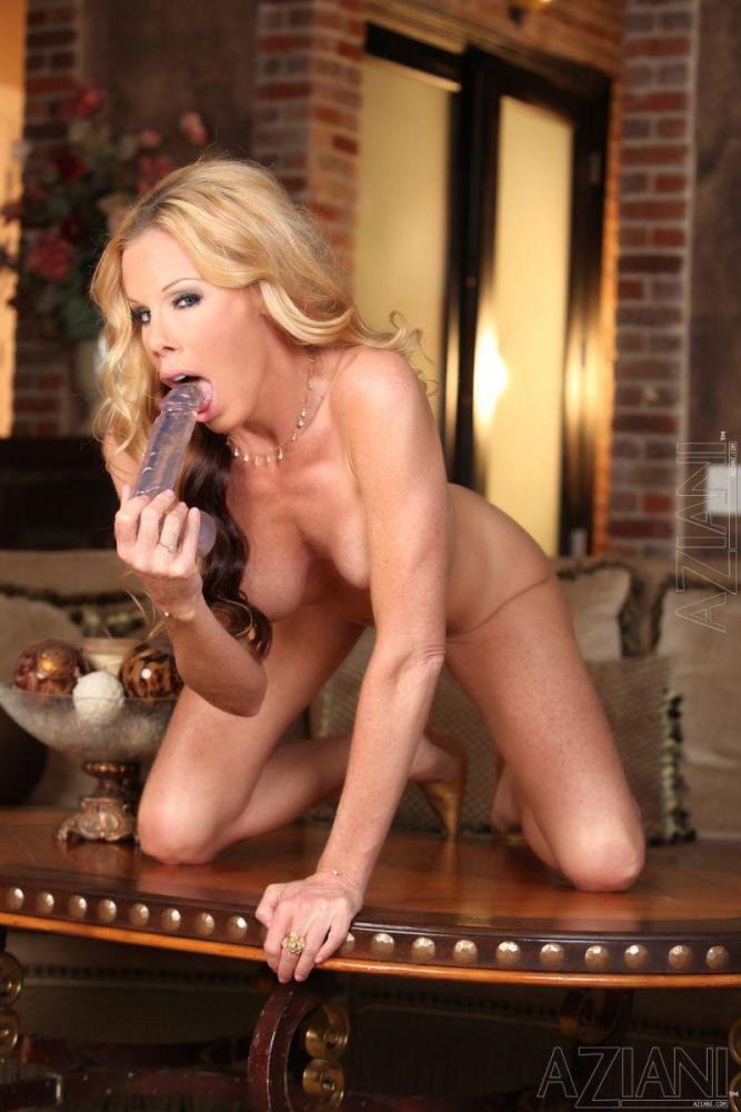 Busty milf and big dildo - Nicole..